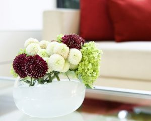 dahlias_flowers_bouquet_vase_sofa_comfort_32150_1313x1050